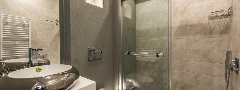 Тоалетна и баня